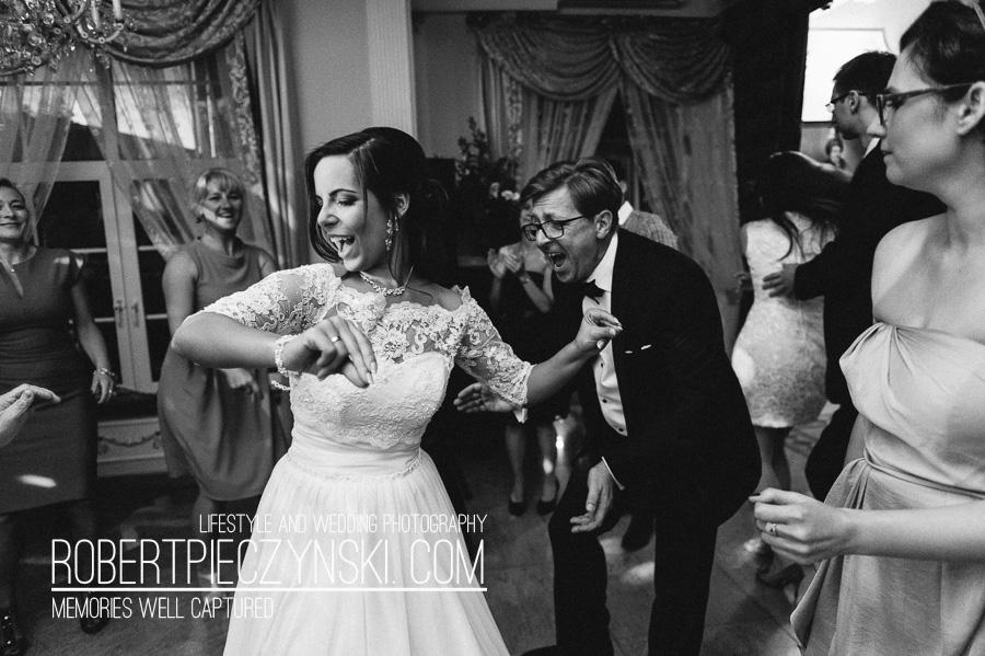 KKA-6584- robert pieczyński lifestyle and wedding photography fotografia ślubna zdjęcia ślubne fotograf szczecin stargard warszawa berlin poznań wrocław dworek hetmański