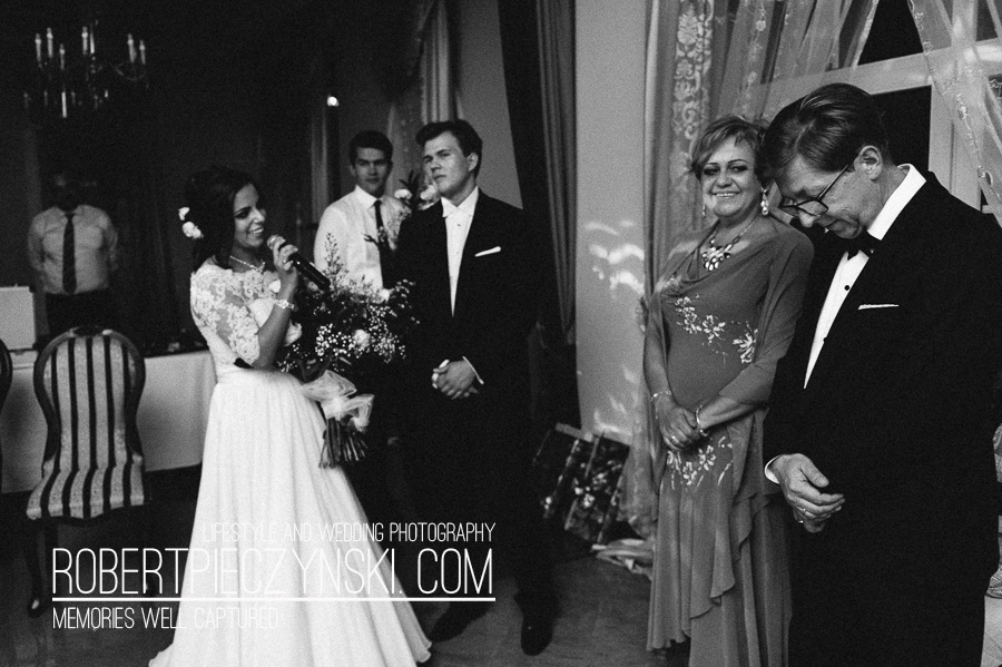 KKA-6883- robert pieczyński lifestyle and wedding photography fotografia ślubna zdjęcia ślubne fotograf szczecin stargard warszawa berlin poznań wrocław dworek hetmański